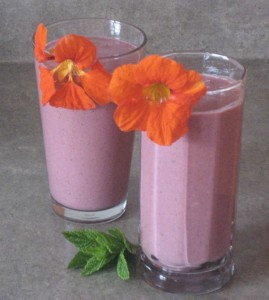 while sipping one of my favourite smoothies, I noticed just how much smoothies and life coaching have in common